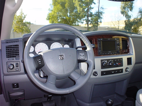 Click image for larger version  Name:08 Power Wagon - dash.jpg Views:56 Size:151.6 KB ID:50602