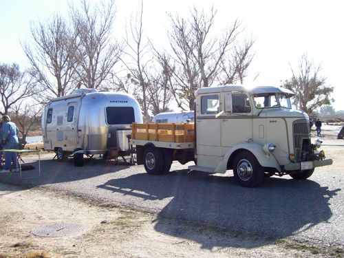 Click image for larger version  Name:airstream truckbambi.jpg Views:105 Size:221.4 KB ID:50837