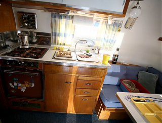 Click image for larger version  Name:IMG_1098 brad's kitchen-s.jpg Views:1375 Size:132.7 KB ID:51028