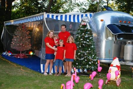 Click image for larger version  Name:Christmas_In_July_Rally_7-20-07_071[1].jpg Views:53 Size:65.5 KB ID:51327