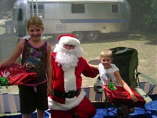 Click image for larger version  Name:x-mas in july 2007 007.JPG Views:94 Size:41.4 KB ID:51332