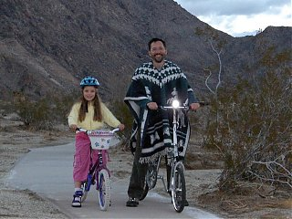 Click image for larger version  Name:HPIM2002 Rich & Emma with bikes.jpg Views:154 Size:88.0 KB ID:51495