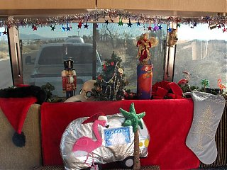 Click image for larger version  Name:HPIM1970 Xmas interior front window.jpg Views:114 Size:99.4 KB ID:51497