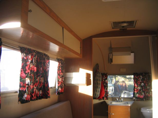 Click image for larger version  Name:TCT 2007 AS interior 005.jpg Views:89 Size:43.1 KB ID:52201