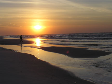 Click image for larger version  Name:sunrise2.jpg Views:80 Size:37.3 KB ID:52249