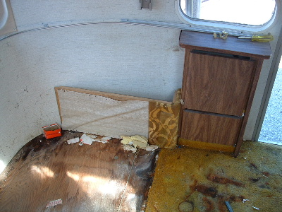 Click image for larger version  Name:radio box in 76 overlander.jpg Views:344 Size:67.0 KB ID:5245