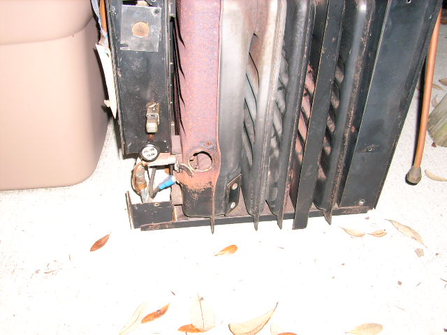 Click image for larger version  Name:furnace 001.JPG Views:63 Size:65.3 KB ID:52631
