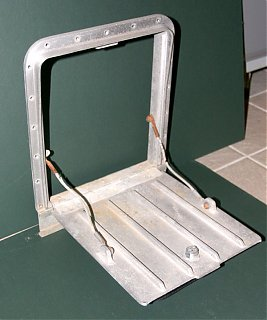 Click image for larger version  Name:IMG_7912 open battery door-s.jpg Views:178 Size:84.8 KB ID:54160