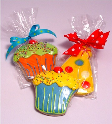 Click image for larger version  Name:Birthday-Cookies-bows-1.jpg Views:65 Size:43.1 KB ID:54543