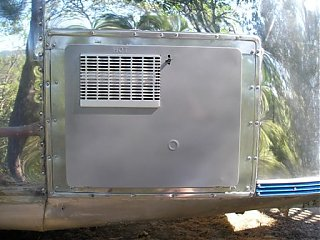 Click image for larger version  Name:Airstream - New water heater install 6-07 035.jpg Views:268 Size:40.7 KB ID:55179