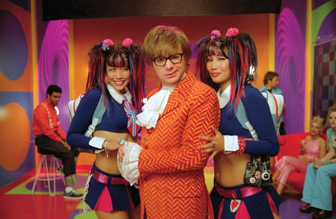 Click image for larger version  Name:austin_powers_withthetwins.jpg Views:60 Size:55.4 KB ID:55534