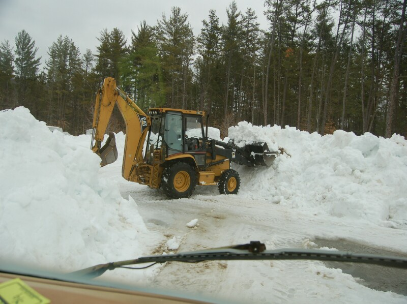 Click image for larger version  Name:Digging out.jpg Views:88 Size:130.4 KB ID:55687