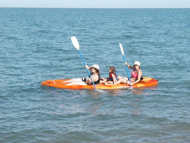 Click image for larger version  Name:kayak.jpg Views:221 Size:72.2 KB ID:5580