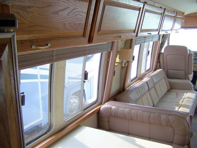 Click image for larger version  Name:1989Airstream345d.jpg Views:61 Size:111.7 KB ID:55920