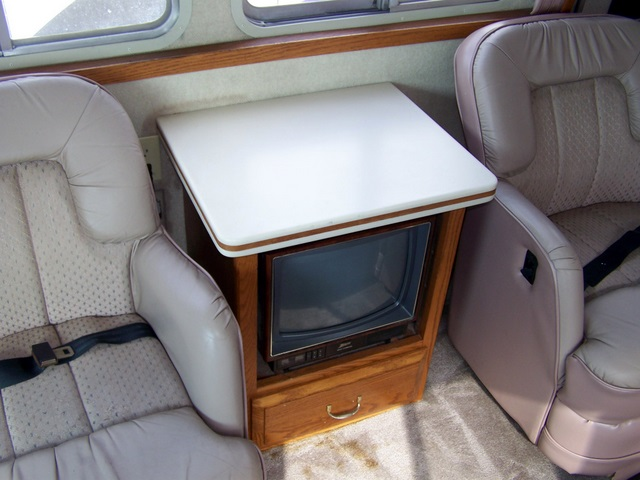 Click image for larger version  Name:1989Airstream345g.jpg Views:55 Size:94.1 KB ID:55922