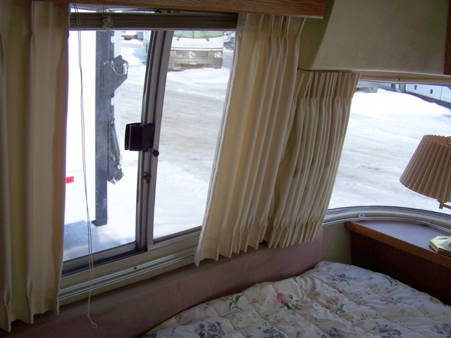 Click image for larger version  Name:1989Airstream345o.jpg Views:64 Size:94.2 KB ID:55926