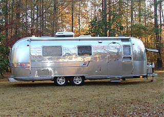Click image for larger version  Name:Classic Rides Overlander 1.jpg Views:322 Size:944.8 KB ID:56068