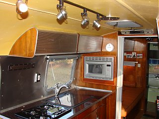 Click image for larger version  Name:Classic Rides Overlander 2.jpg Views:316 Size:651.0 KB ID:56069