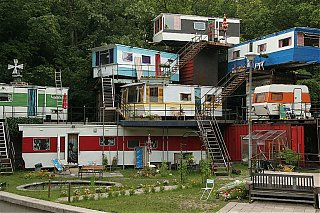 Click image for larger version  Name:redneck-mansion.jpg Views:1158 Size:296.7 KB ID:56189