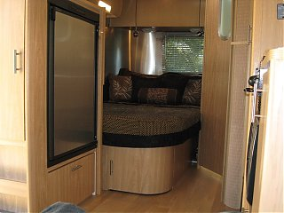 Click image for larger version  Name:bedroom airstream.jpg Views:480 Size:77.5 KB ID:56835