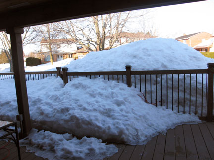 Click image for larger version  Name:snow in april.jpg Views:62 Size:61.9 KB ID:57515
