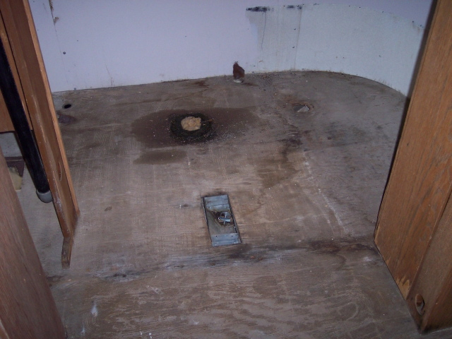 Click image for larger version  Name:Bathroom as found.jpg Views:70 Size:130.9 KB ID:57730