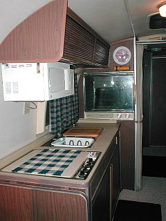 Click image for larger version  Name:airstream interior 008.jpg Views:614 Size:91.8 KB ID:585