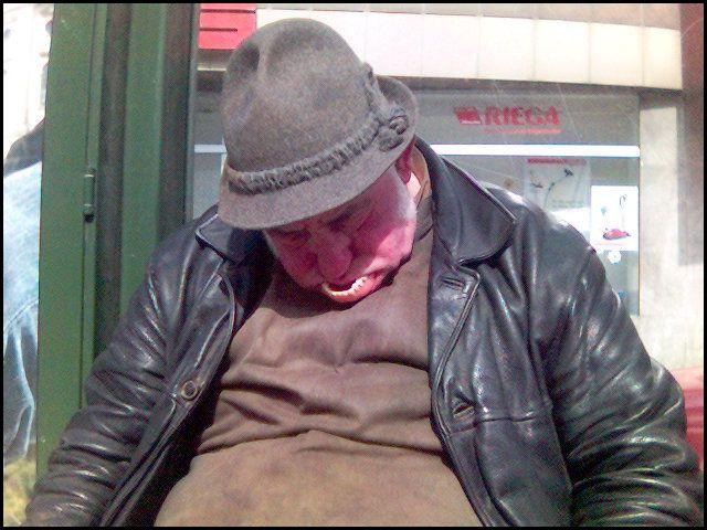 Click image for larger version  Name:Old Man Sleeping.jpg Views:84 Size:62.0 KB ID:58602