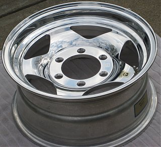 Click image for larger version  Name:alcoa_wheel_polished6.jpg Views:140 Size:574.1 KB ID:58791