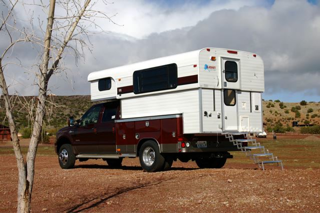 Click image for larger version  Name:Alaskan Camper up.jpg Views:534 Size:56.0 KB ID:58834