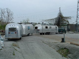 Click image for larger version  Name:The ultimate caravan.JPG Views:184 Size:61.3 KB ID:5934