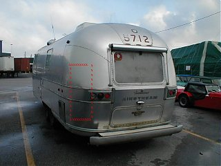Click image for larger version  Name:Airstream4damage100k.jpg Views:755 Size:55.3 KB ID:6132