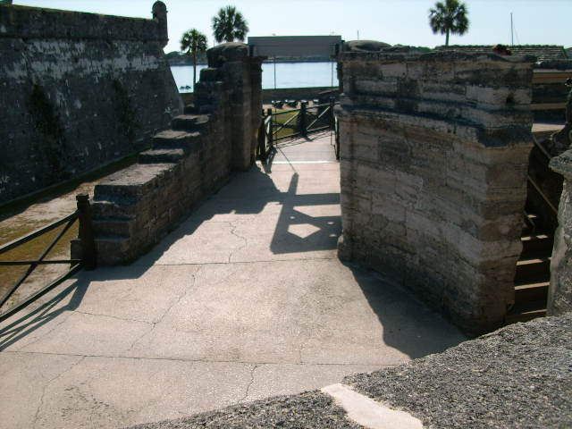 Click image for larger version  Name:St.Augustine 022.JPG Views:61 Size:65.9 KB ID:61664
