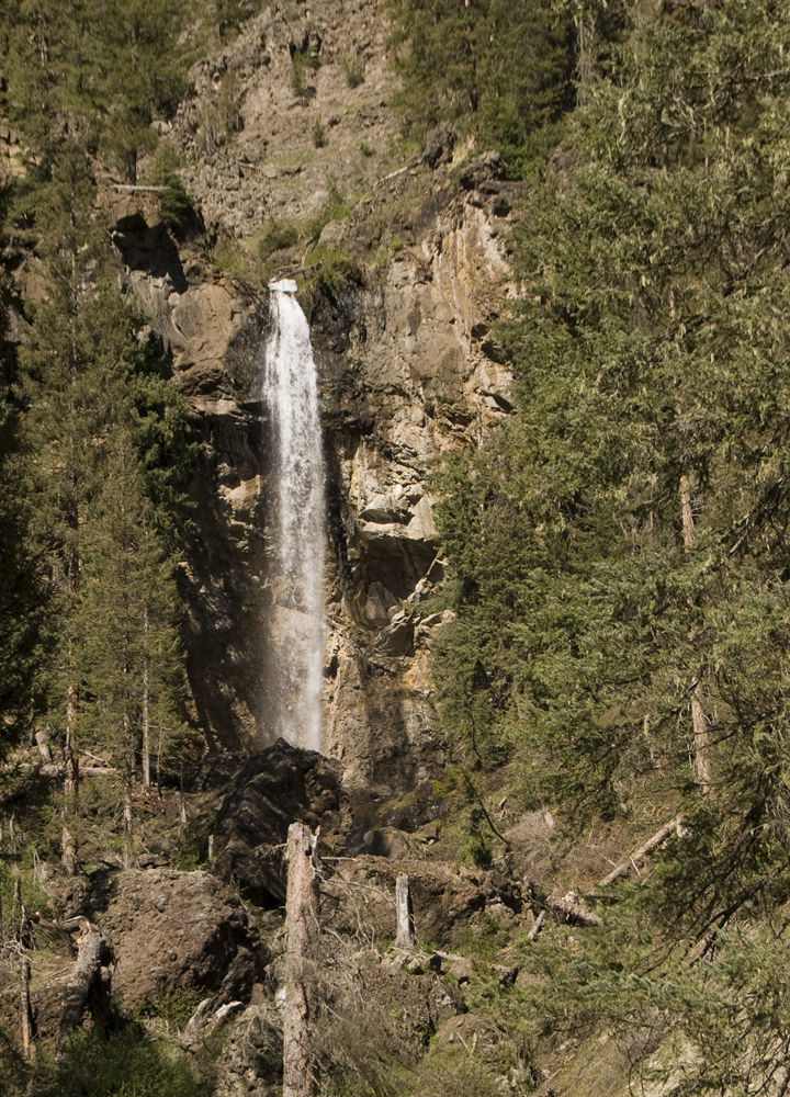 Click image for larger version  Name:falls at the head waters of the San Juan.jpg Views:49 Size:884.4 KB ID:62362