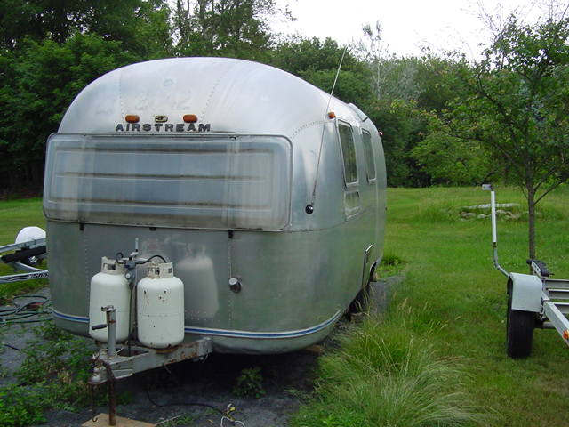 Click image for larger version  Name:Airstream at home.jpg 002.jpg Views:133 Size:59.9 KB ID:62458