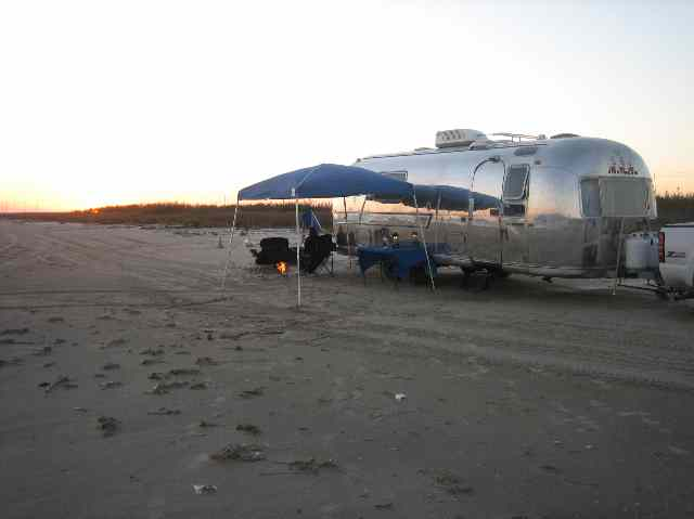 Click image for larger version  Name:Beach Trip in Airstream.jpg Views:83 Size:20.1 KB ID:62629