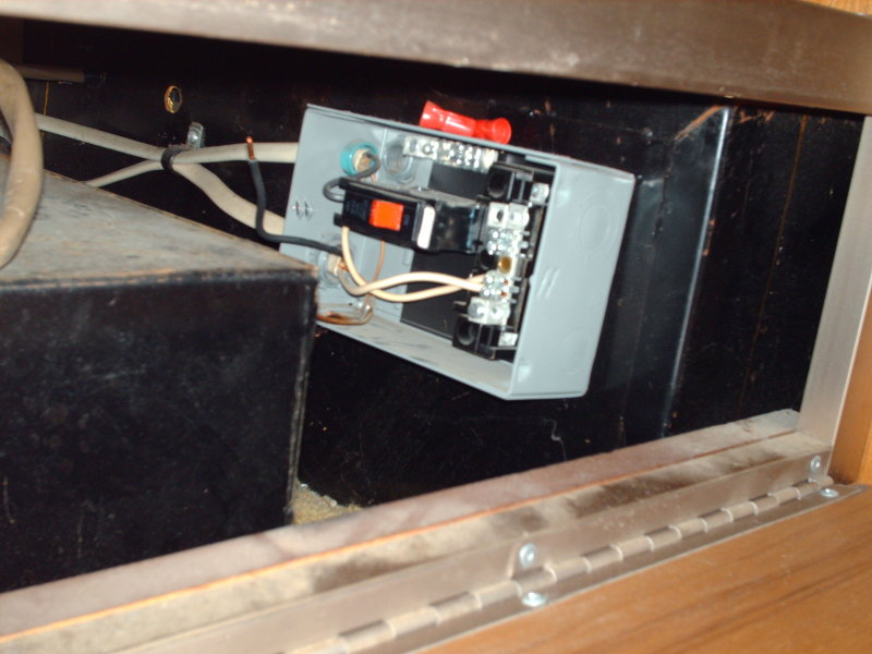 Click image for larger version  Name:rear-ac-circuit-breaker-box.JPG Views:93 Size:89.8 KB ID:62956