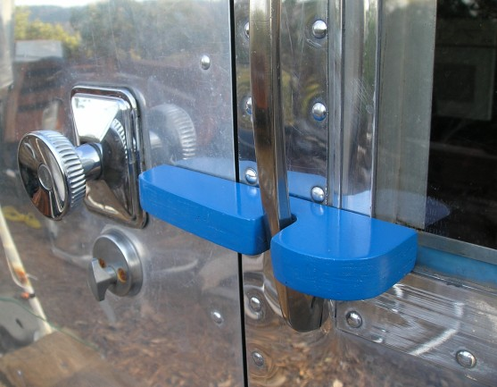 Click image for larger version  Name:Airstream.Door Latch and suicide Lock 002.jpg Views:74 Size:62.2 KB ID:63074