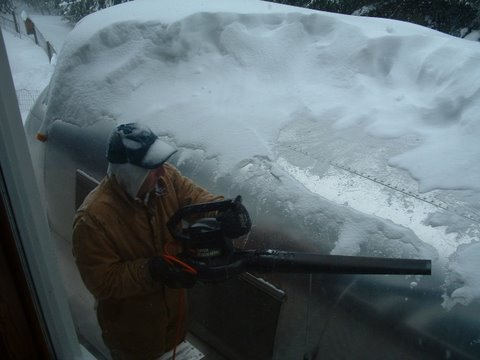 Click image for larger version  Name:Airstream Floyd Snow.jpg Views:106 Size:30.8 KB ID:63630