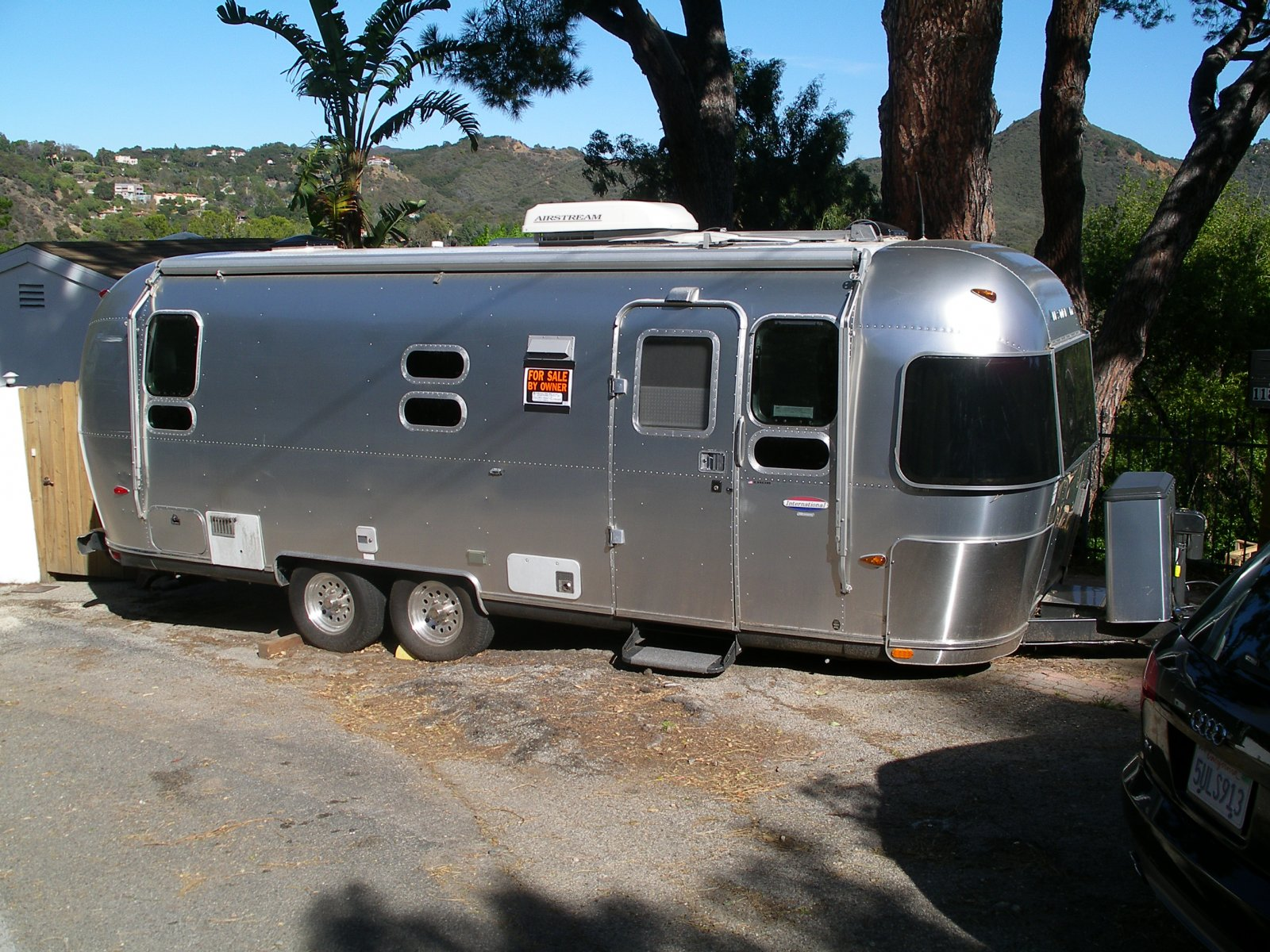 Click image for larger version  Name:PARIS AIRSTREAM! .jpg Views:132 Size:423.6 KB ID:64016