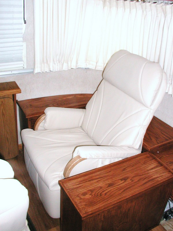 Click image for larger version  Name:Airstream recliner installation 001.JPG Views:400 Size:103.6 KB ID:64135