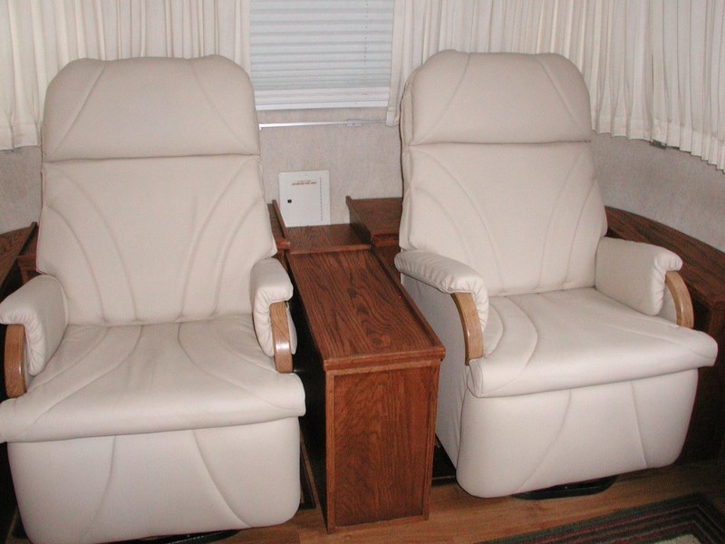 Click image for larger version  Name:Airstream recliner installation 007.JPG Views:387 Size:90.3 KB ID:64138