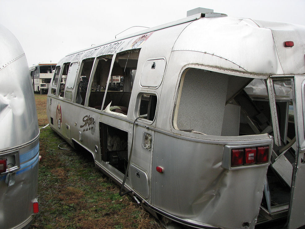 Click image for larger version  Name:Virgin Radio AS trailer after wreck L rear.jpg Views:205 Size:158.8 KB ID:64369
