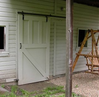 Click image for larger version  Name:Barn3.jpg Views:283 Size:31.6 KB ID:6464