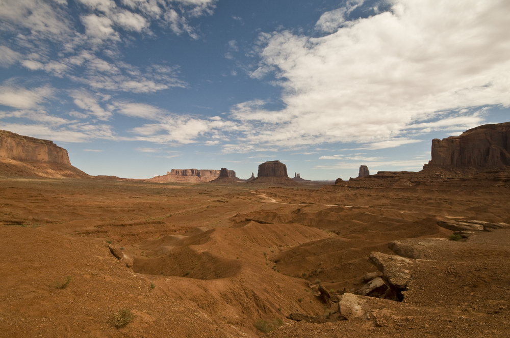 Click image for larger version  Name:Monument Valley 1 web.jpg Views:76 Size:538.5 KB ID:64691