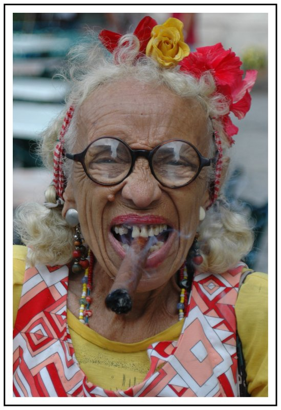 Click image for larger version  Name:cuban_cigarlady.jpg Views:60 Size:90.0 KB ID:64772