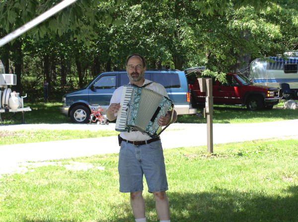 Click image for larger version  Name:Phil-Accordian-2003-MidwestRally.jpg Views:71 Size:83.0 KB ID:65135