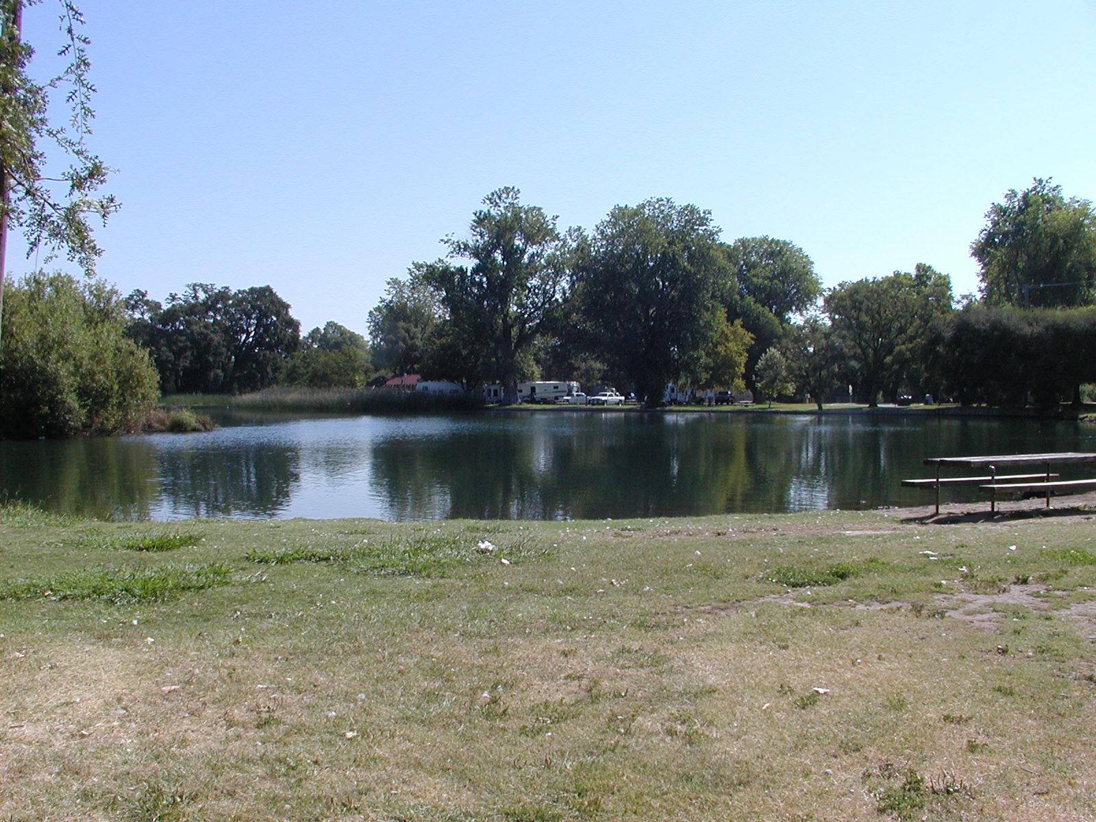 Click image for larger version  Name:Lodi Lake 011.jpg Views:92 Size:439.4 KB ID:65819