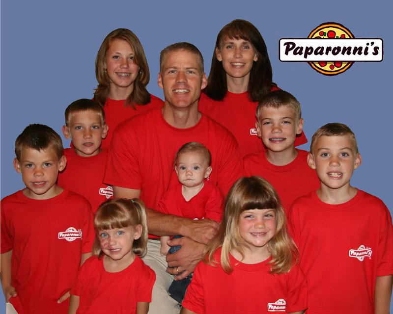 Click image for larger version  Name:pizza family 1 copysmall.jpg Views:74 Size:108.4 KB ID:65999