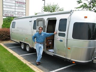 Click image for larger version  Name:Airstream_wKbyDoor_web.jpg Views:211 Size:52.8 KB ID:6631